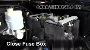 replace a fuse 2007 2014 cadillac escalade 2008 cadillac 6 replace cover secure the cover and test component