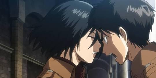 eren y mikasa se besan por fin