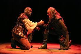 the reviews are in for guthrie theater s othello state of the peter macon othello and stephen yoakam iago in the guthrie s production of