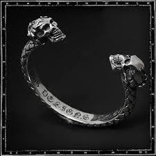 <b>Braided</b> two <b>skulls</b> bracelet
