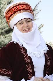 t uuml rk k z turkish girl turkish asian girl turkish people elechek is a traditional women s headdress worn by married and elderly kyrgyz women