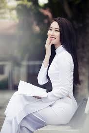 Image result for nữ sinh áo trắng mỏng