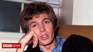 <b>Scott Walker</b>, influential rock enigma, dies aged 76 - BBC News