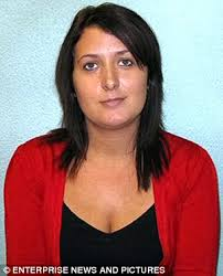 Former prison officer Lisa Harris, who was jailed for smuggling phones to an inmate - article-1273197-094FE7F8000005DC-966_306x379