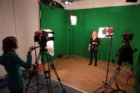 you can extend this to 4 point lighting by illuminating the studio background this helps to set the illuminated person apart from the background artificial lighting set
