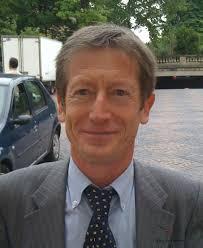 A quatre mois du Convent du GODF, le frère conseiller de l'Ordre Alain Simon fait clairement figure de favori pour succéder à José Gulino, ... - SIMON-Alain1