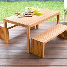table middot triangular dining