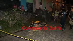 Resultado de imagem para IMAGENS DE SANTOS A DAR COM  PAU