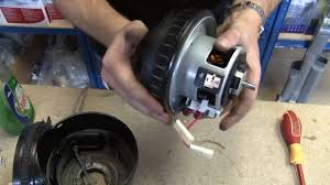 How to replace a Dyson motor on a Dyson DC07 vacuum cleaner ...