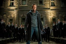 aaron eckhart re imagines the monster video com i frankenstein