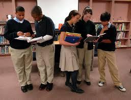 die besten ideen zu should students wear uniforms auf die besten 17 ideen zu should students wear uniforms auf argumentierendes schreiben kreatives schreiben und uumlberzeugendes schreiben