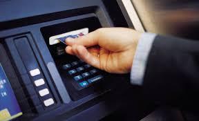 Αποτέλεσμα εικόνας για φωτο αυτοματων ταμειακων  μηχανων αναληψης ευρω