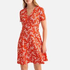 <b>Платье короткое</b> расклешенное с короткими рукавами ...