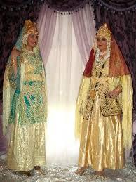 ازياء العرائس images?q=tbn:ANd9GcR