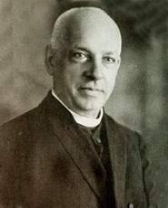 Mihai Lucaciu, tatăl memorandistului se stabileşte în comuna Apa în anul 1846, venind ca dascăl al şcolii confesionale greco-catolice. - 160_nasterea_vasile_lucaciu_01