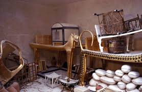 Pyramids in Egypt   Homework for kids Primary Homework Help We can learn about how the Egyptians lived by looking at the objects stored in pyramids ready to be used in the afterlife