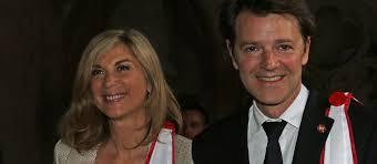 PHOTOS – François Baroin et sa compagne Michèle Laroque: leur été sur les routes du Tour de France - Gala