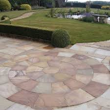 patio slab sets: natural paving riven sandstone classicstone camel harvest paving circle feature kits