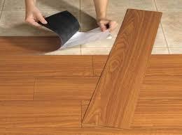 karpet plastik motif kayu: Lantai motif kayu
