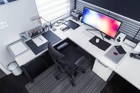 1000 ideas about desk setup on pinterest gaming setup computer setup and mac desk amazing office desk setup ideas 5