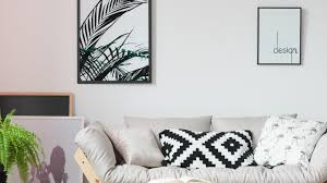 Here's How You Can Hang BIG <b>Wall Art</b> Without a Single Nail or ...