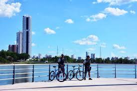 Resultado de imagem para policiamento com bicicleta