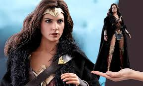 <b>Wonder Woman</b> Deluxe Version by Hot Toys | Sideshow Collectibles