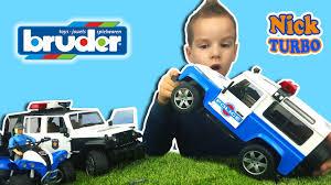 ПОЛИЦЕЙСКАЯ МАШИНА Брудер. ВНЕДОРОЖНИК <b>Land Rover</b> ...