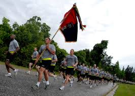 u s department of defense photo essay army paratroopers take part in a four mile division wide run to kick off