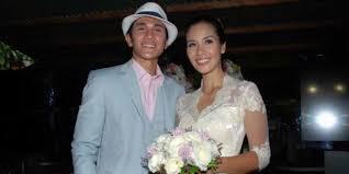 Foto pernikahan Vino Bastian dan Marsha Timothy 2012