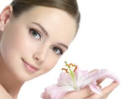 Hasil gambar untuk cara merawat wajah secara alami