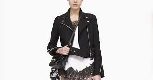 С чем носить <b>платья</b>-<b>комбинации</b>: 8 модных образов — Wonderzine