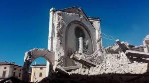 Risultati immagini per terremoto: suore e frati in ginocchio immagini