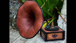 Tim Holtz <b>Gramophone</b> & G45 Luminary <b>Music Boxes</b> - YouTube