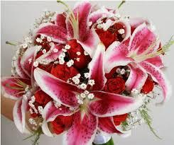 Resultado de imagem para flor lirio arranjos