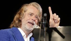 """Der Komiker Helge Schneider will sich eine Pause von der Bühne nehmen. Nach der kommenden Tour mit seinem neuen Programm """"Pretty Joe und die ... - helge-schneider"""