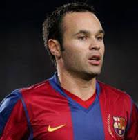 Iniesta Pemain Terbaik Eropa 2012