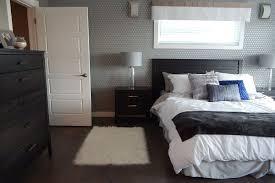 Camera Da Letto Grigio Bianco : Pareti della camera da letto idee per colori e decorazioni foto