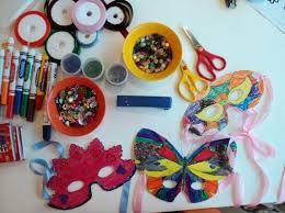Decorazioni Finestre Scuola Primaria : Decorazioni di carnevale da realizzare con i bambini foto