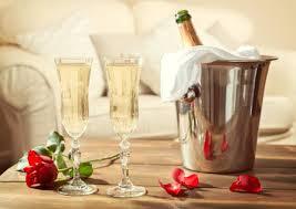 <b>Бокалы для шампанского</b>: какие должны быть, как правильно ...