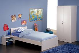 minimalis blue kids bedroom interior decorating ideas with white furniture and blue fur rug above brown floor blue kids furniture