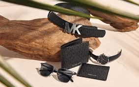 <b>Michael Kors</b> Austria: Designer handbags, clothing, menswear ...
