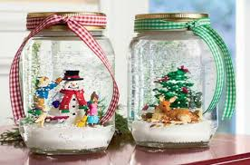 Αποτέλεσμα εικόνας για χριστουγεννιατικες κατασκευες με γυαλινα βαζακια