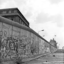 witness to history jorges andres castillo at the fall of the latent fissures is an exhibition of 27 photographs taken in black and white by jorge andres castillo that show the life of west and east berlin prior to