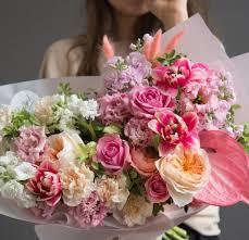 АВТОРСКИЕ БУКЕТЫ > <b>Букет из пионовидных роз</b>, тюльпанов ...
