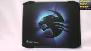 <b>Roccat</b> Alumic - видеообзор геймерского <b>коврика</b> для мыши