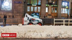Moscow brings in artificial snow for <b>New Year</b> in mild winter - BBC ...