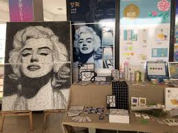 Wuhan student recreates Marilyn Monroe portrait using only nails ...