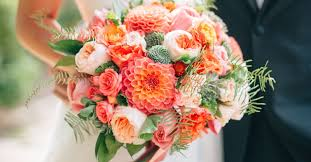 <b>Wedding Flower</b> Guide With Season, Color and Price Details