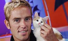 Releases, Blue Peter presenter Simon Thomas with the new kitten - 300blue_peter_kitten